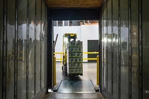 movimentação e armazenagem logística